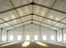 Stort tält uppbyggnad